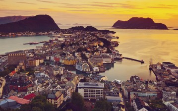 View, Elevated, over alesund, норвегия, sunnmre, город, вид, mre og romsdal, norway обои